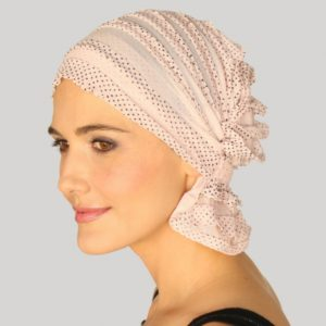 anna-chemo-beanie-pink-with-black-dots-ruffle