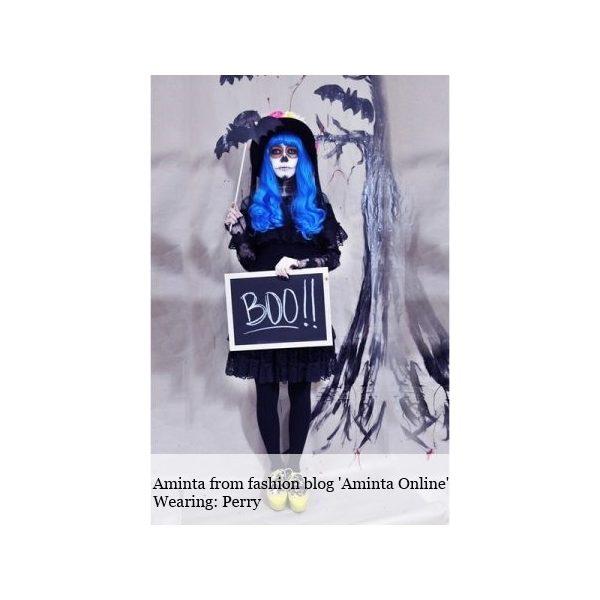 Long_Curly_Blue_Wig_Halloween_Wonderland_Wigs_UK