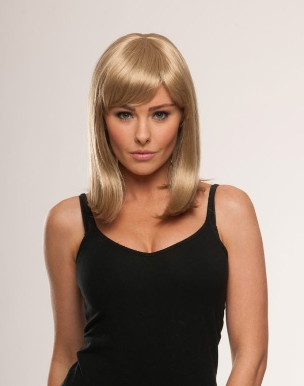 Kirsty - Medium brown wig with blonde highlights
