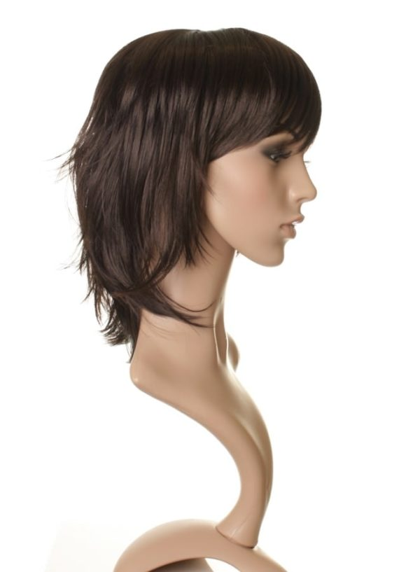 Coco - Short brown wig (layered)